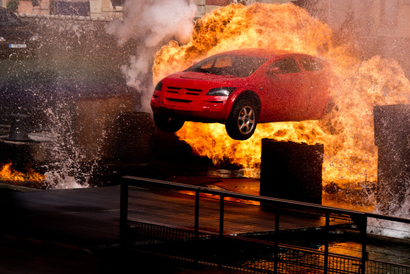 How-Dangerous-is-a-Flaming-Car-Exactly-e1436974679417